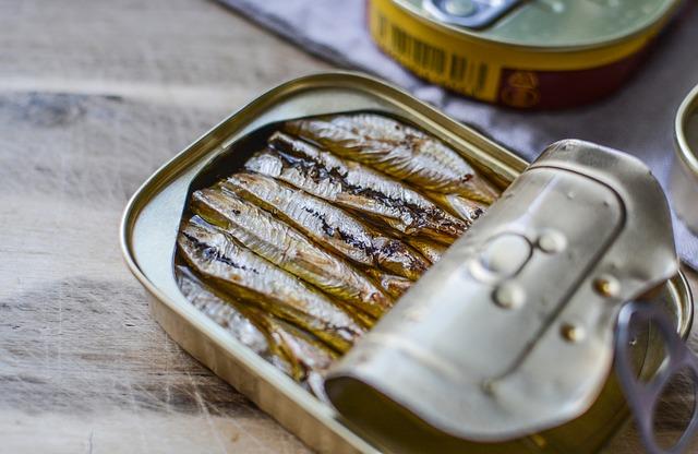Sardines en conserve, source de polluants