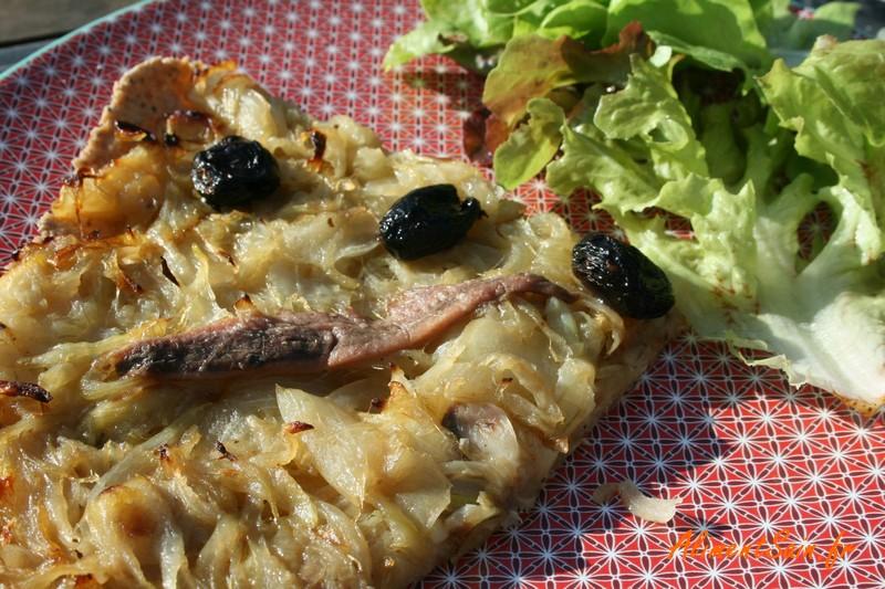 ingrédients olives, anchois et oignons