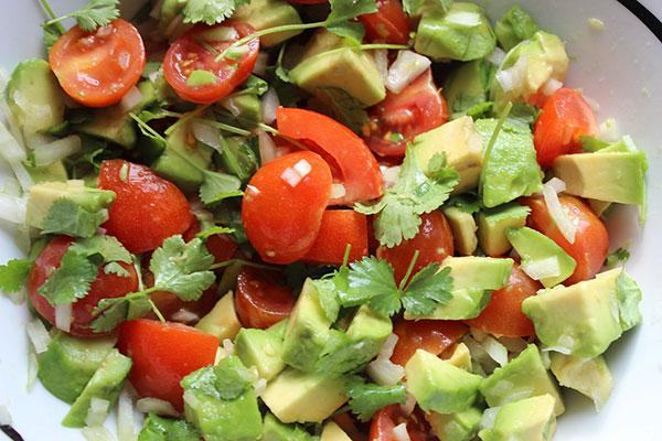 Salade santé à base d'avocat